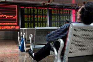 Chứng khoán Trung Quốc chao đảo bất chấp nỗ lực bơm tiền của ngân hàng trung ương