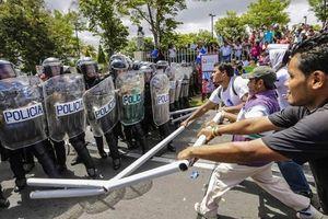 Vì sao hàng loạt quốc gia Mỹ Latinh rơi vào khủng hoảng?