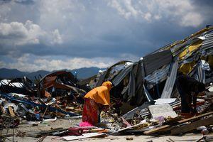 'Sốc' với con số hơn 5.000 người vẫn mất tích sau thảm họa kép ở Indonesia