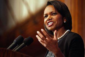 Cựu Ngoại trưởng Mỹ Condoleezza Rice 'hiến kế' ngăn chặn Nga