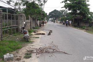 Nghệ An: Người đàn ông tử vong bất thường bên đường