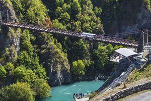 Địa điểm tuyệt vời cho những người mê mẩn trò nhảy bungee mạo hiểm