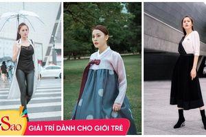 Khác hẳn vẻ quê mùa trên phim, Phương Oanh 'Quỳnh Búp Bê' khoe style cá tính chất lừ ở Hàn Quốc