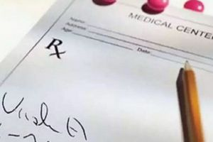 Ấn Độ: Bác sỹ bị phạt vì chữ viết trong bệnh án quá xấu