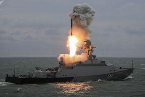 Chiến hạm Nga lại nã 'thần chết' Kalibr vượt trội Tomahawk Mỹ tấn công 'kẻ thù'