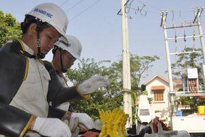 Ngỡ ngàng với phương pháp sửa chữa điện hiện đại của EVN HANOI