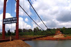 Ra hồ nước tưới cà phê chơi, 3 học sinh tiểu học ở Gia Lai chết đuối