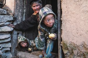 Trung Quốc với tham vọng 'số 1 toàn cầu' cũng có những vùng quê nghèo xơ xác