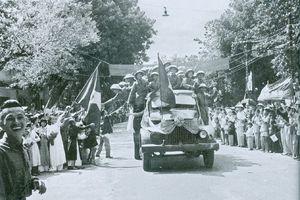 Những bức hình không thể lãng quên về Ngày Giải phóng Thủ đô cách đây 64 năm