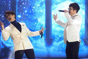 Bùi Anh Tuấn không lép vế khi chung sân khấu với đàn anh, đàn chị