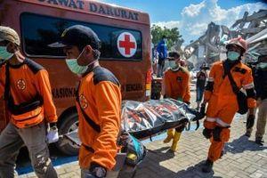 Indonesia yêu cầu nhân viên viện trợ quốc tế rời khu vực thảm họa