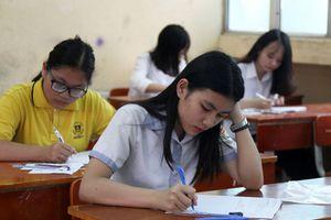 Tuyển sinh vào lớp 10 tại Hà Nội: Nên thi tự luận hay trắc nghiệm?