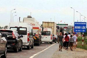 BOT Ninh Lộc lại phải xả trạm vì tài xế phản ứng