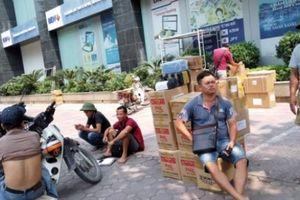 Bãi xe, chợ thuốc trong khu chung cư cao cấp Hapulico