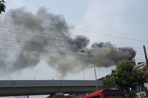 Canada: Cháy lớn tại nhà máy lọc dầu, cột khói cao ngút trời