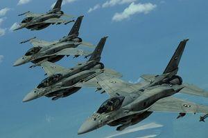 Ukraine diễn tập không quân lớn nhất lịch sử: Xuất hiện tiêm kích 'bất bại' F-15 của Mỹ