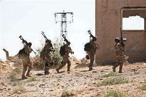 Syria: Phiến quân hoàn tất việc rút vũ khí hạng nặng khỏi chiến trường