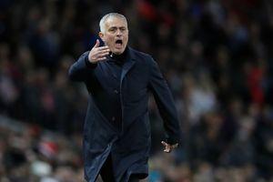 HLV Mourinho đối mặt với án phạt vì nghi án chửi thề