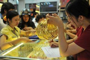 Giá vàng hôm nay 9/10: Giá vàng thế giới giảm sốc!
