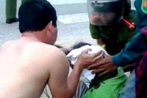 Khen thưởng Đại úy CSGT cứu người gặp nạn