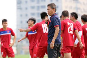 HLV Hoàng Anh Tuấn mang 26 cầu thủ U19 Việt Nam sang Indonesia