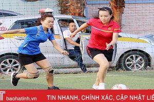 Thành đoàn Hà Tĩnh khai mạc giải bóng đá nữ 2018