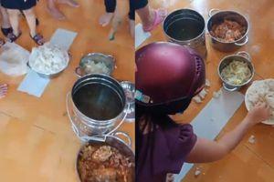 Phụ huynh bắt quả tang Trường mầm non Phú Mỹ cho con ăn cơm mốc xanh