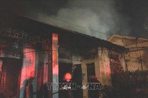 Cháy dãy nhà tập thể cũ ở thành phố Vinh, Nghệ An