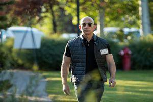 Bill Gates, Jeff Bezos và các tỷ phú lớn mạnh tay chi hàng tỷ USD cho các dự án này