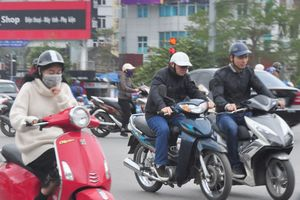 Đêm nay, mưa và không khí lạnh sẽ tràn về Hà Nội