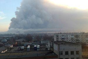Ukraine rung chuyển vì nổ kho vũ khí, sơ tán hàng loạt
