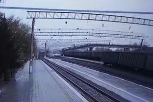 Cầu sập lên tuyến đường sắt dài nhất thế giới tại Nga