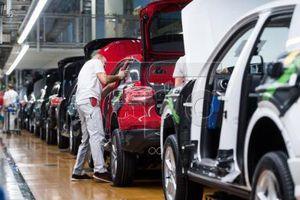 Doanh số bán xe ô tô nhập khẩu nguyên chiếc tăng mạnh tới 42%
