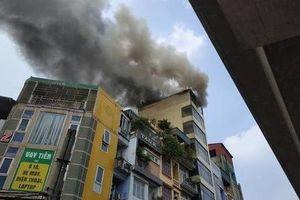 Đốt vàng mã làm cháy quán Karaoke, cột khói cao hàng chục mét