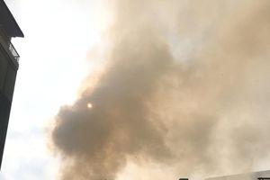 Hà Nội: Cháy lớn nghi do thắp hương cúng mùng 1