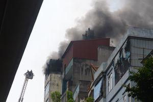 Hà Nội: Cháy quán Karaoke trên phố Hào Nam