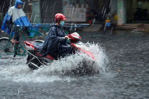 Hôm nay Bắc Bộ và Thanh Hóa có mưa, dông mạnh