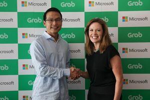 Grab hợp tác với Microsoft để gia tăng chuyển giao dịch vụ số