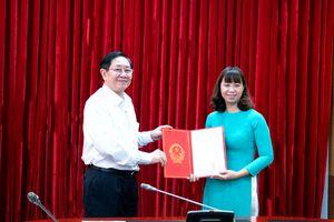 Lễ công bố và trao Quyết định bổ nhiệm đồng chí Nguyễn Thị Bích Thủy giữ chức vụ Phó Vụ trưởng Vụ Kế hoạch - Tài chính, Bộ Nội vụ