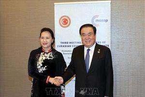 Chủ tịch Quốc hội Nguyễn Thị Kim Ngân hội kiến Chủ tịch Quốc hội Hàn Quốc Moon Hee sang