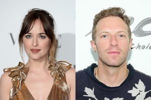 Mỹ nhân '50 sắc thái' bí mật thông báo mang thai với Chris Martin?
