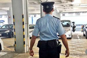 Cảnh sát Hong Kong truy tìm sĩ quan đội mũ ngược
