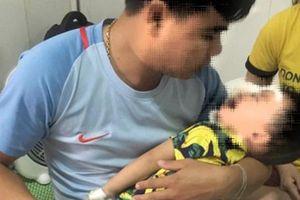 Nghệ An: Thêm một trường hợp con nhỏ bị chó nhà cắn thương tích nặng