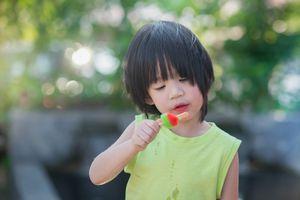 Nguyên nhân và cách phòng tránh bệnh tiêu chảy cho trẻ lúc giao mùa