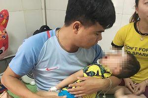 Bé trai 2 tuổi bị chó becgie nhà nuôi cắn rách mặt
