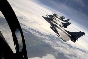 Ngắm nhìn bầu trời từ buồng lái siêu tiêm kích Rafale