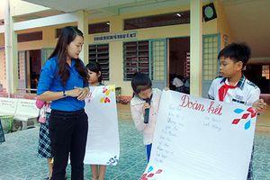 Hậu Giang: 3 tập thể và 1 cá nhân nhận bằng khen của Bộ Giáo dục và Đào tạo