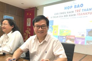 Nhà văn Nguyễn Nhật Ánh đi 'tiếp thị' sách ở Nhật
