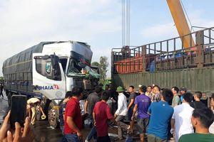 Tai nạn liên hoàn khiến quốc lộ 1A ách tắc cục bộ