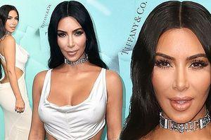 Kim Kardashian váy hở táo bạo, ngực đầy quyến rũ